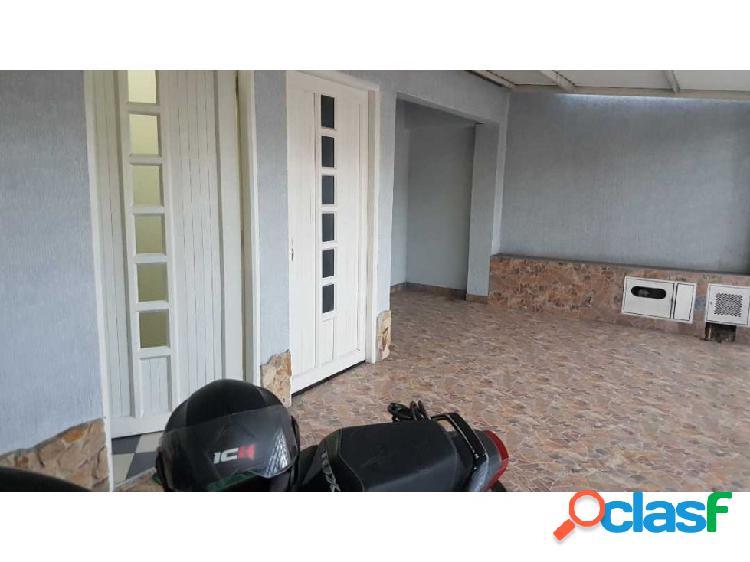 Se vende casa en el barrio la colombiana de palmira (valle).