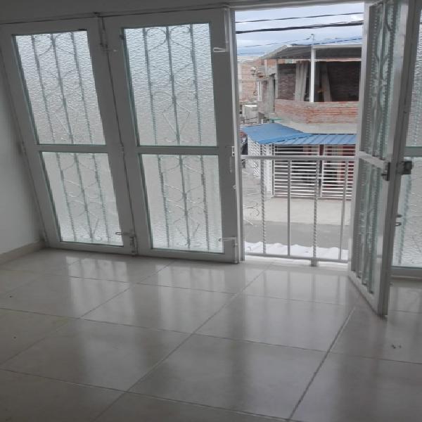 Alquiler casa 2° piso bosques de cenaprov-palmira