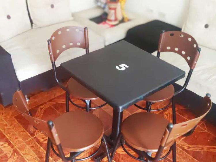 Juegos de mesas y sillas