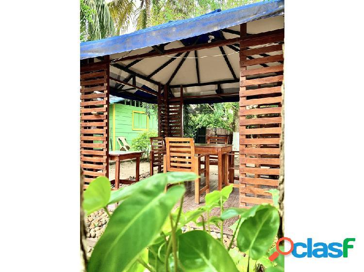 Cabaña en manzanillo a 3 mins de la playa, incluye mobiliario
