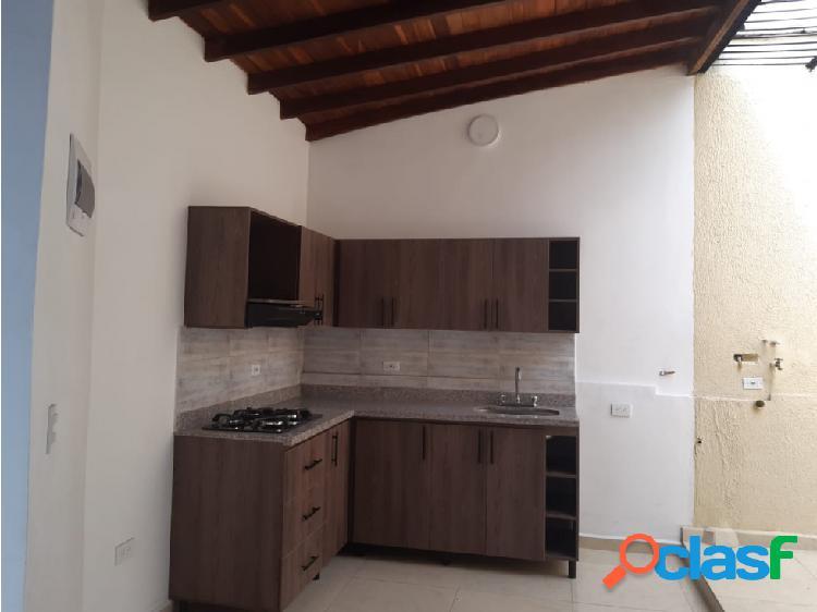 Casa itaguí barrio asturias. piso 3. se vende