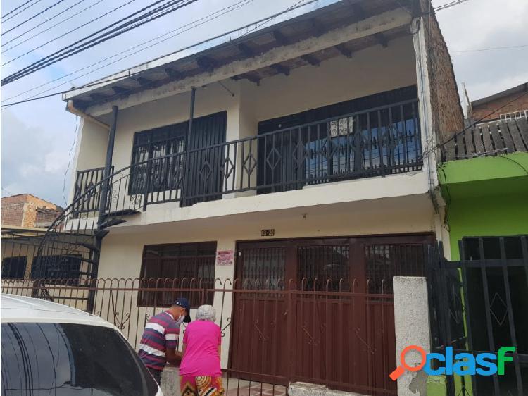 Casa bifamiliar barrio mariano ramos cali