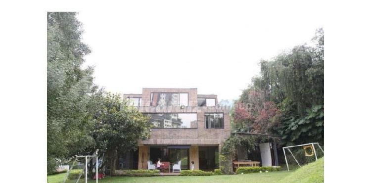 Casa en arriendo medellín transversal superior