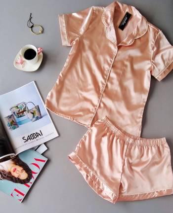 Pijama en satin nueva con etiqueta