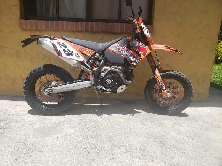 Vencambio ktm exc 450 racing a carro