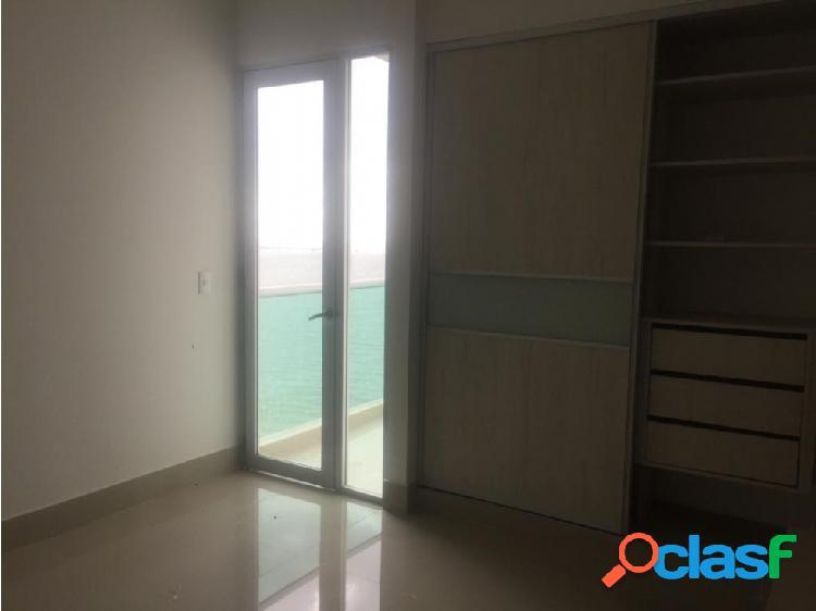 Vende pent house frente al mar