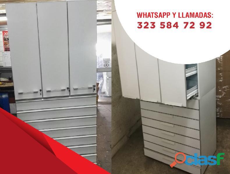mobiliario y columnas para farmacias 1
