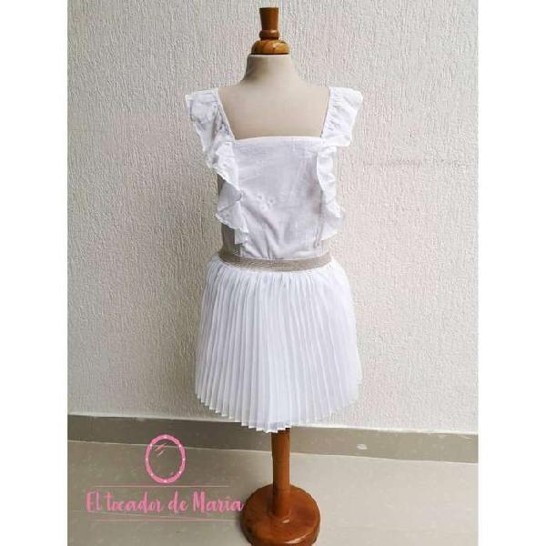 Conjunto blusa blanca/falda plisada blanca