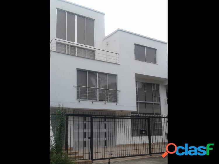 Se vende casa con apartamento duplex cali sur, ciudad jardín (a)