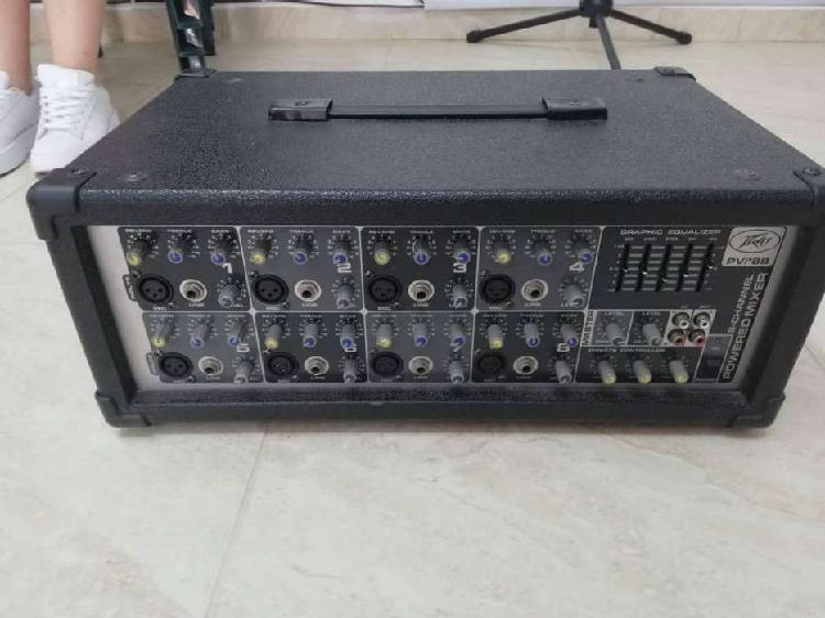 Consola y ecualizador peavey pvi8b.