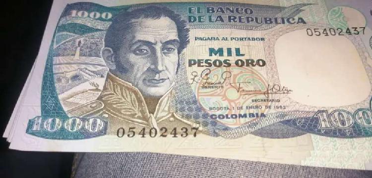 Colección de billetes antiguos de mil pesos oro en serie