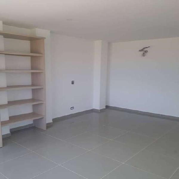 Barcelona de indias casa de 2 pisos venta.