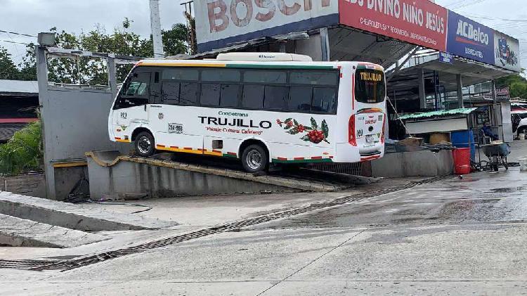 Buseta 19 pasajeros