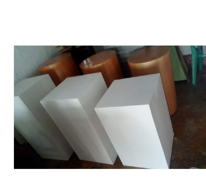 cilindros, mesas vintage, cubos, en madera