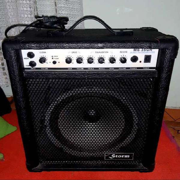 Amplificador en excelente estado y mezcladores