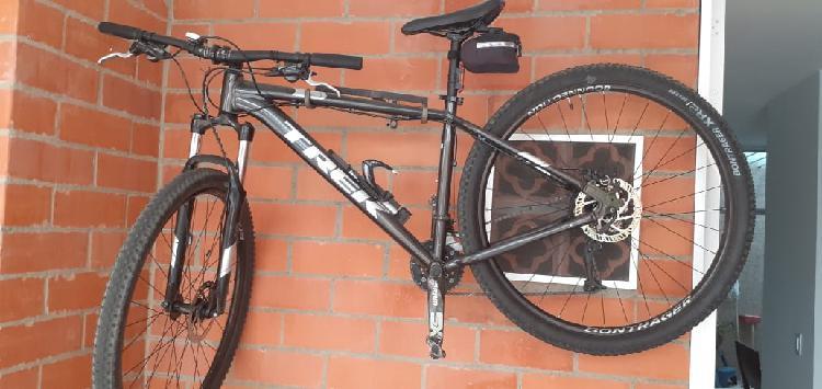 Vendo bicicleta marlin,