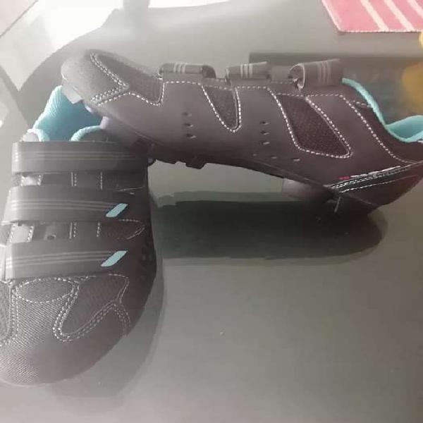 Zapatillas de ciclismo mtb nuevas talla 41 eu