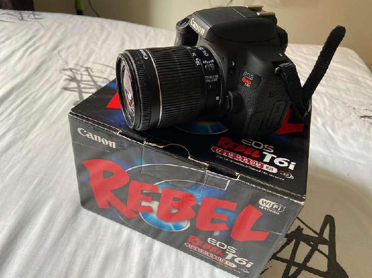 Camara canon eos rebel t6i con lente 50mm canon y 18-55mm