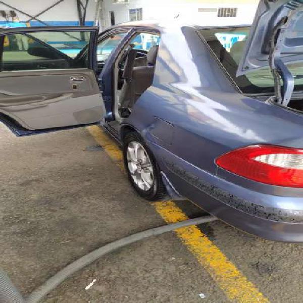 Mazda milenio 2000