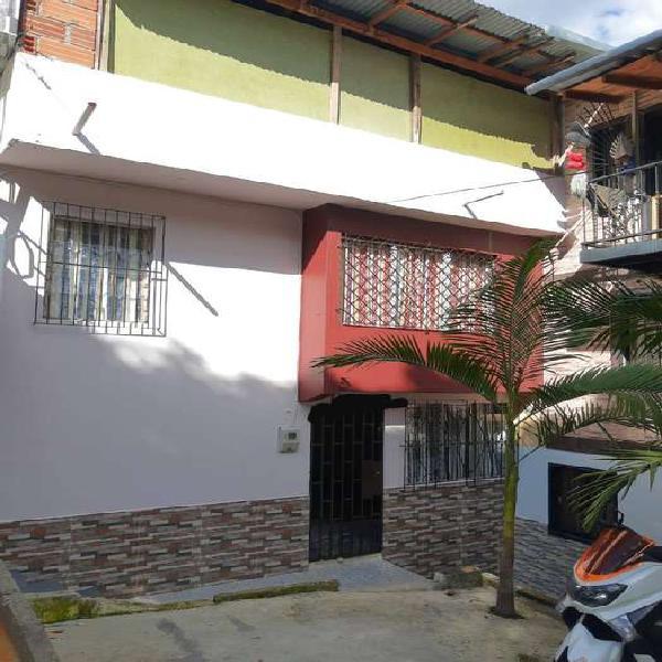 Se vende casa unifamiliar en robledo villa flora