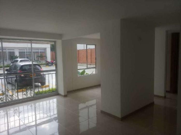 Vendo apartamento 1er piso prados del norte (cm) _