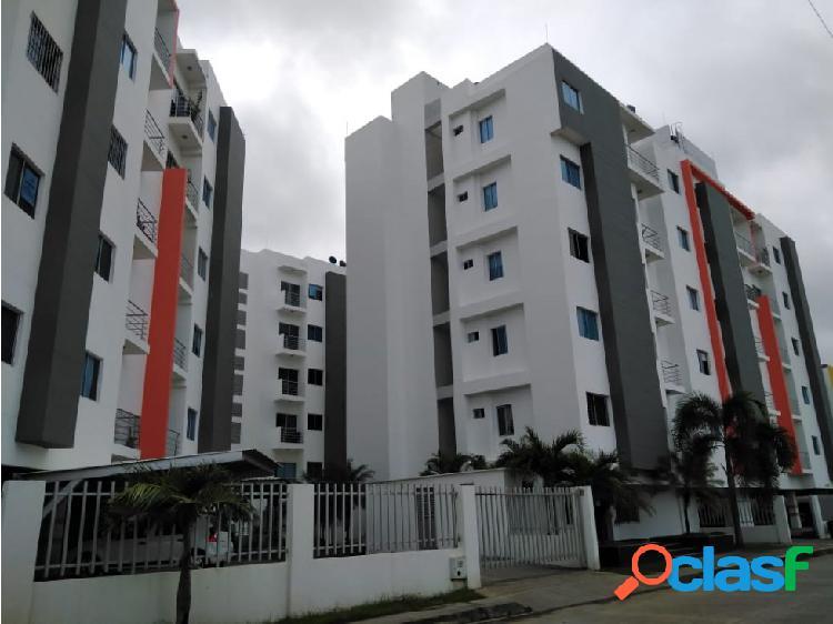 Vende y arrienda apartamento en torres de monteverde