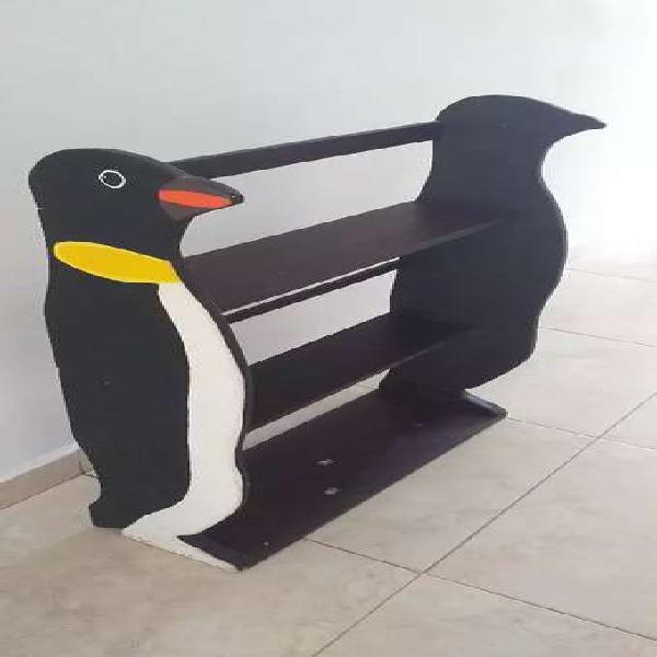 Mueble forma de pingüino