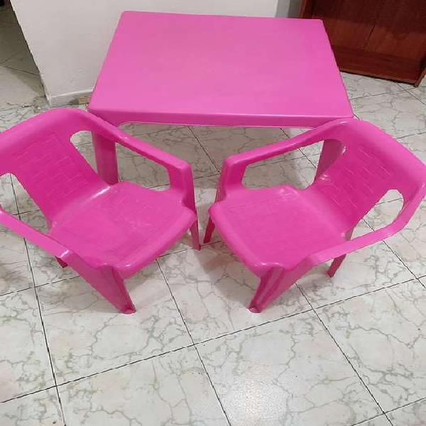 Mesa y silla rimax para niñas
