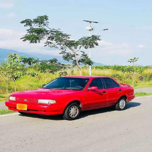 Nissan sentra b 13 sedan