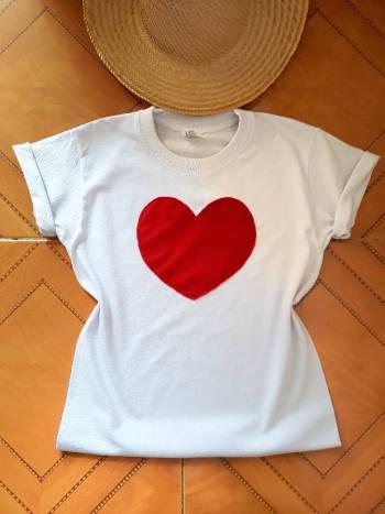 Camiseta corazon rojo nueva