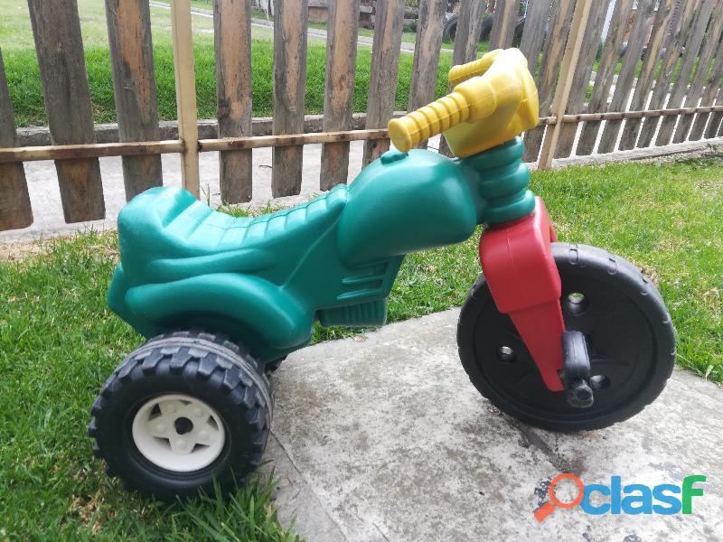 Triciclo   Moto de plastico montable 1