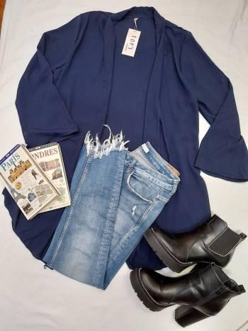 Camisa en seda azul nueva con etiqueta
