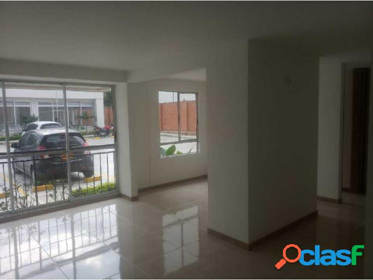 Vendo apartamento 1er piso prados del norte (cm)