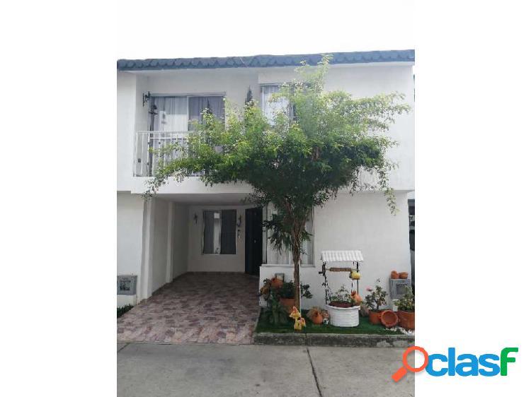 Se vende casa de 2 niveles en el conjunto villa mercedes, palmira