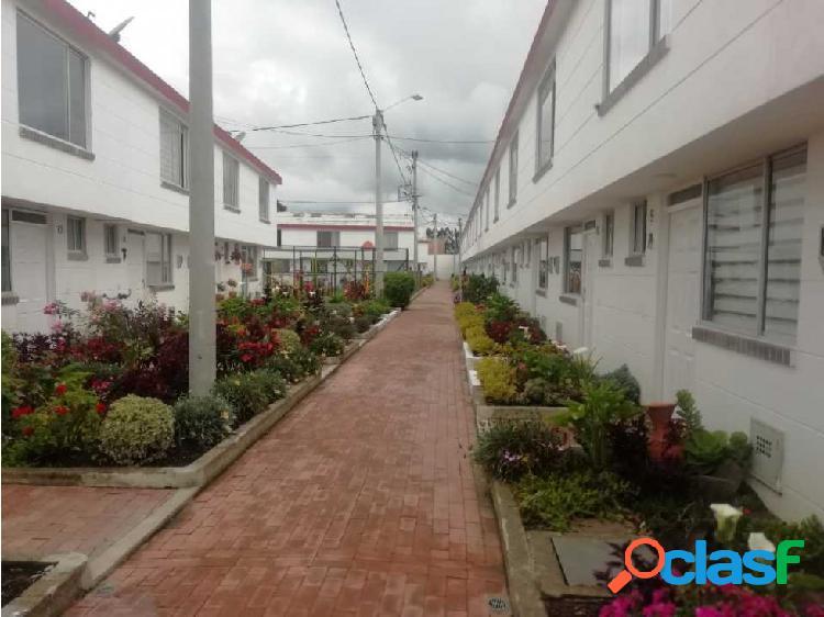 Casas hermosas con parquedero zonas verdes, cerca a comercios. co