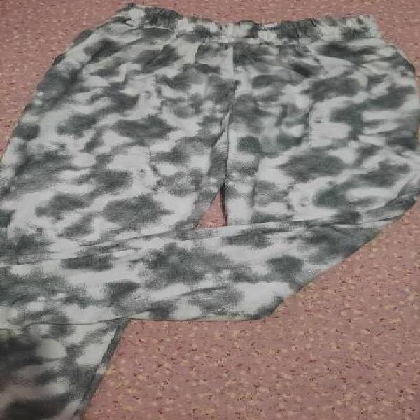Buzo y pantalón de moda