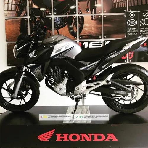 Honda cb250 mod 2021 con bono navideño!