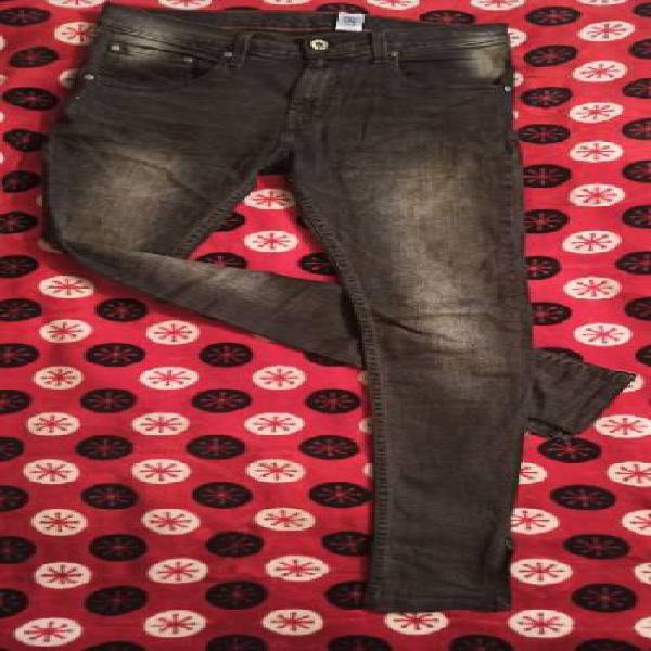 Pantalon abril gris