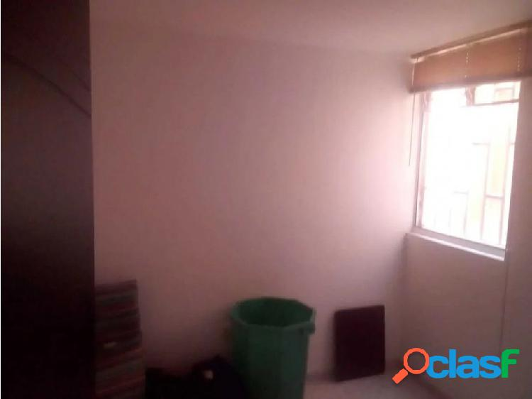 Apartamento en barrio cristobal almeria