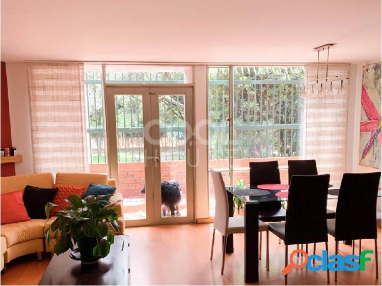 Apartamento con terraza en venta o arriendo en alhambra