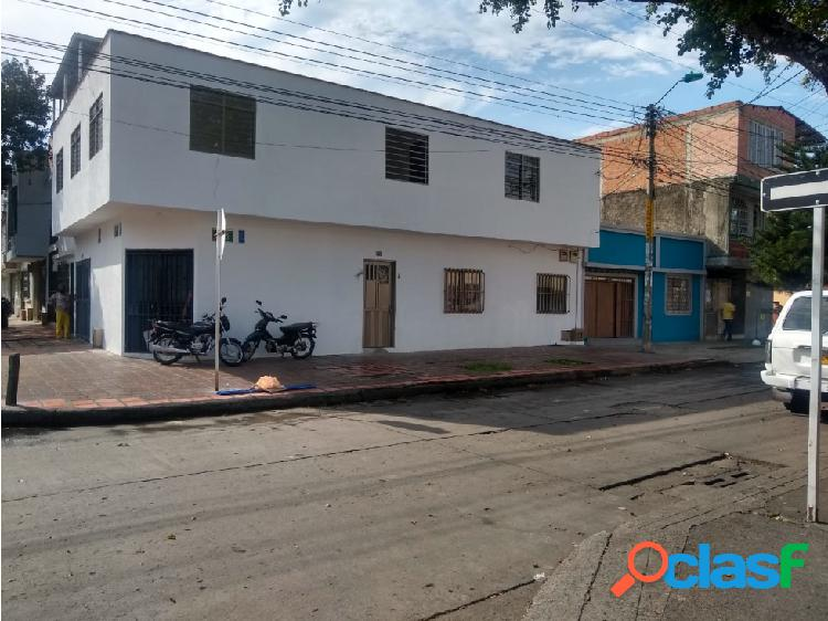 Casa esquinera barrio junin