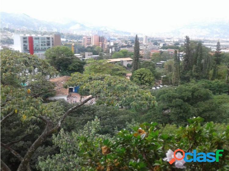 Venta de apartamento en el poblado, sector aguacatala, medellin