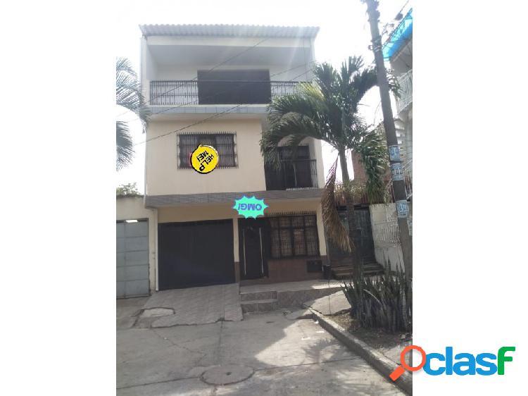 Casa aranjuez 3 plantas (k.g)