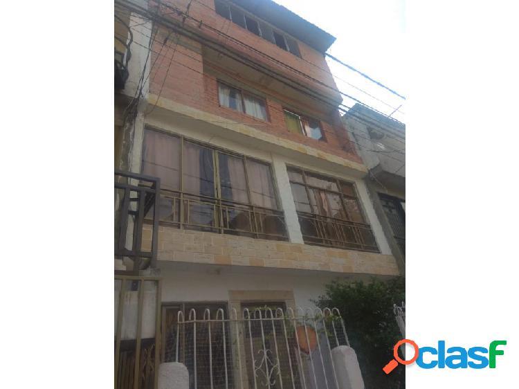 Casa calimio norte 4 pisos (k.g)