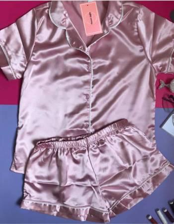 Pijama satin rosado chicle