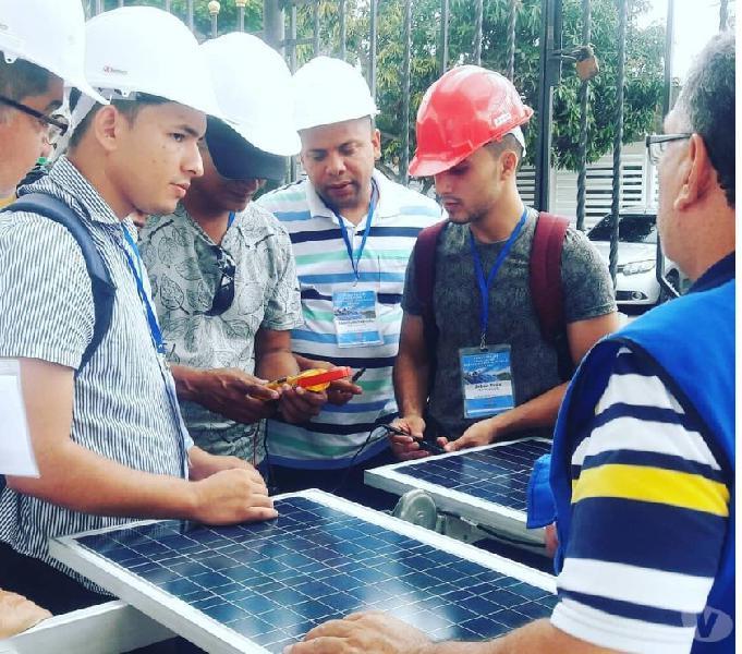 "Instalación de sistemas solares fotovoltáicos autónomos"""