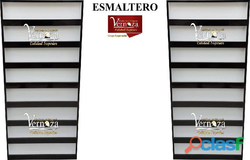 24 ELEGANTE ESMALTERO, AUXILIAR DE PELUQUERÍA.