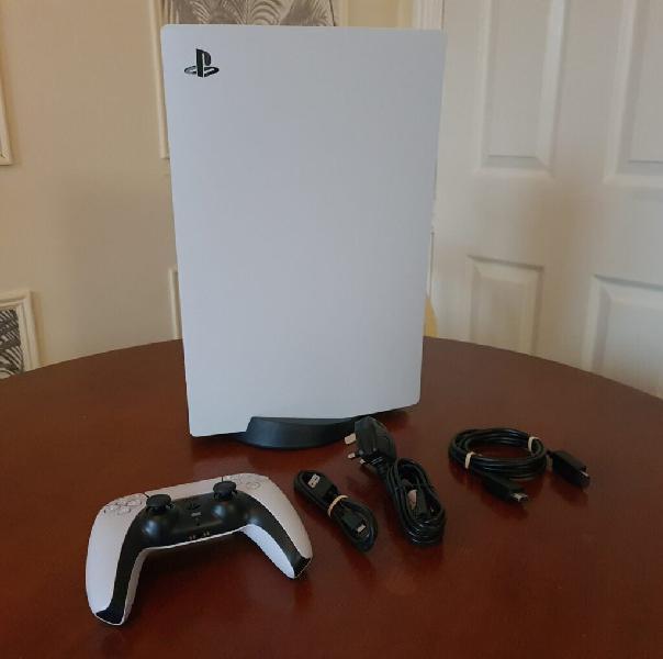 Playstation 5 (PS5) con unità disco incluso controller