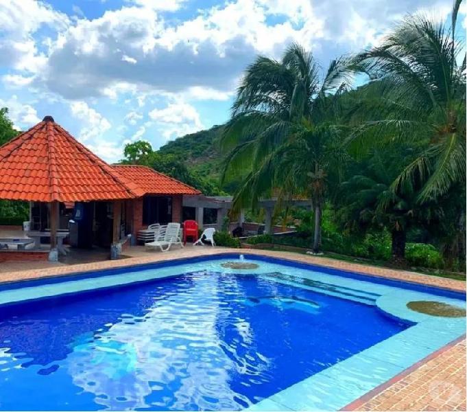 Quinta espectacular en renta amoblada con piscina y bbq