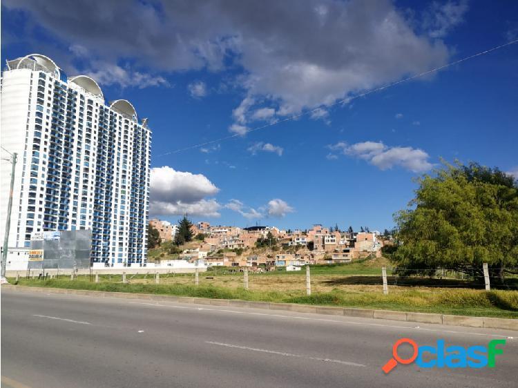 Vendo lote para uso comercial y residencial 33 pisos